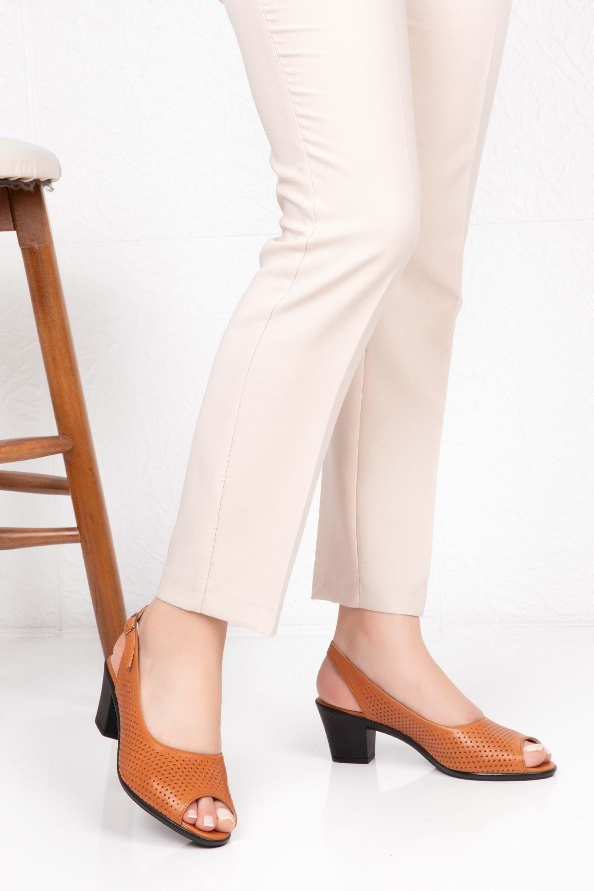 Gondol Kadın Kahverengi  Deri Topuklu Ayakkabı 1