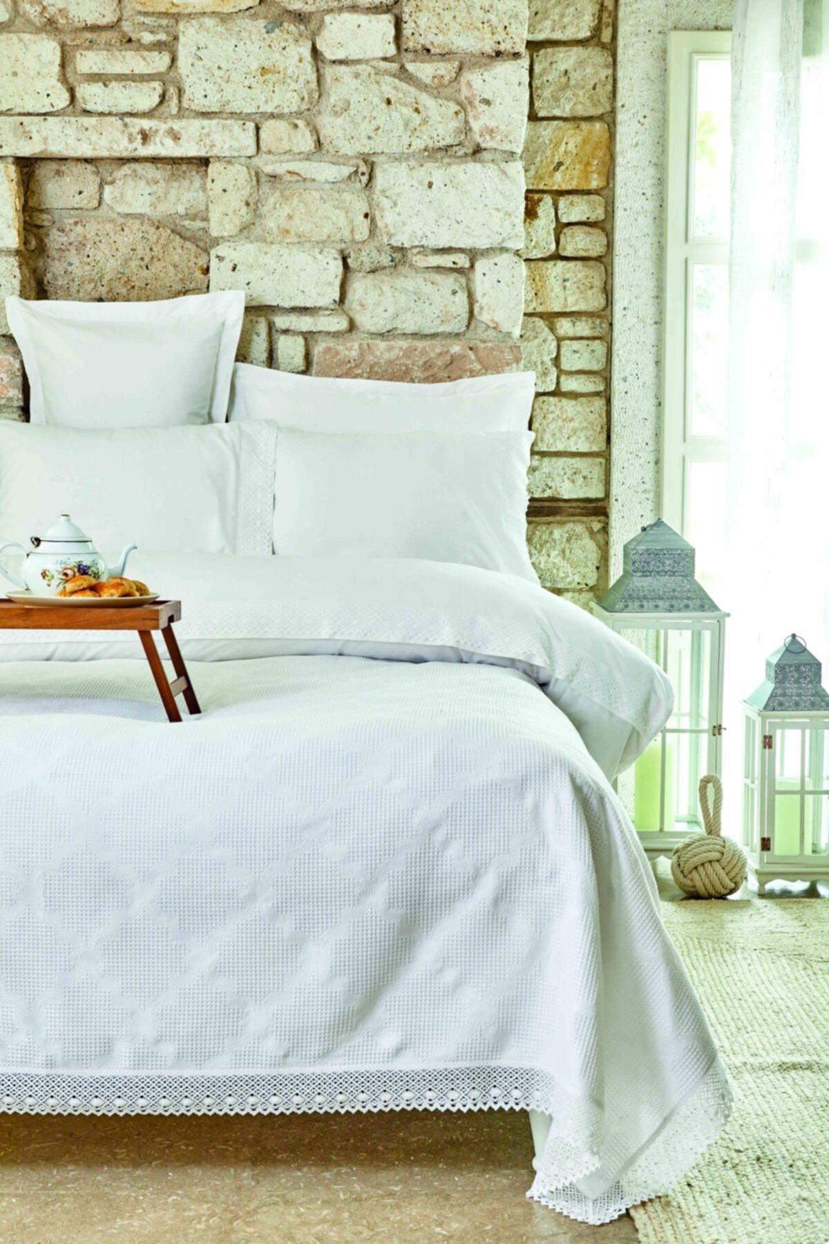 Karaca Home Olivia Beyaz Çift Kişilik Dantelli Nevresim Pike Takımı 1