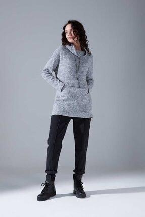 Mizalle Kadın Gri Kanguru Cepli Tüylü Sweatshirt