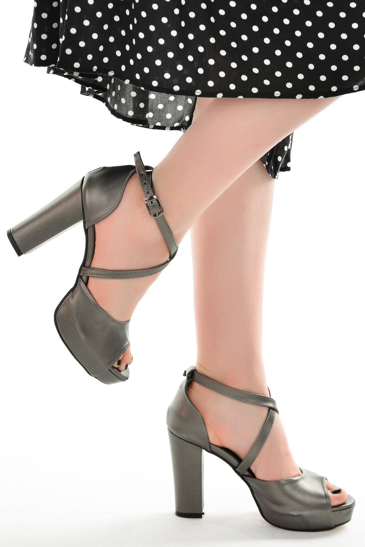 Ayakland Kadın Platin Platform Topuklu Ayakkabı 11 cm 3210-2058 2