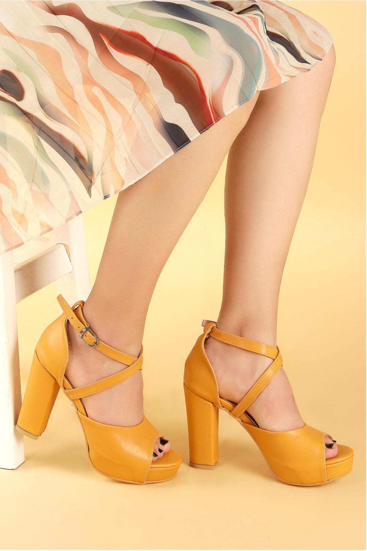Ayakland Kadın Hardal Platform Topuklu Ayakkabı 11 cm 3210-2058 2