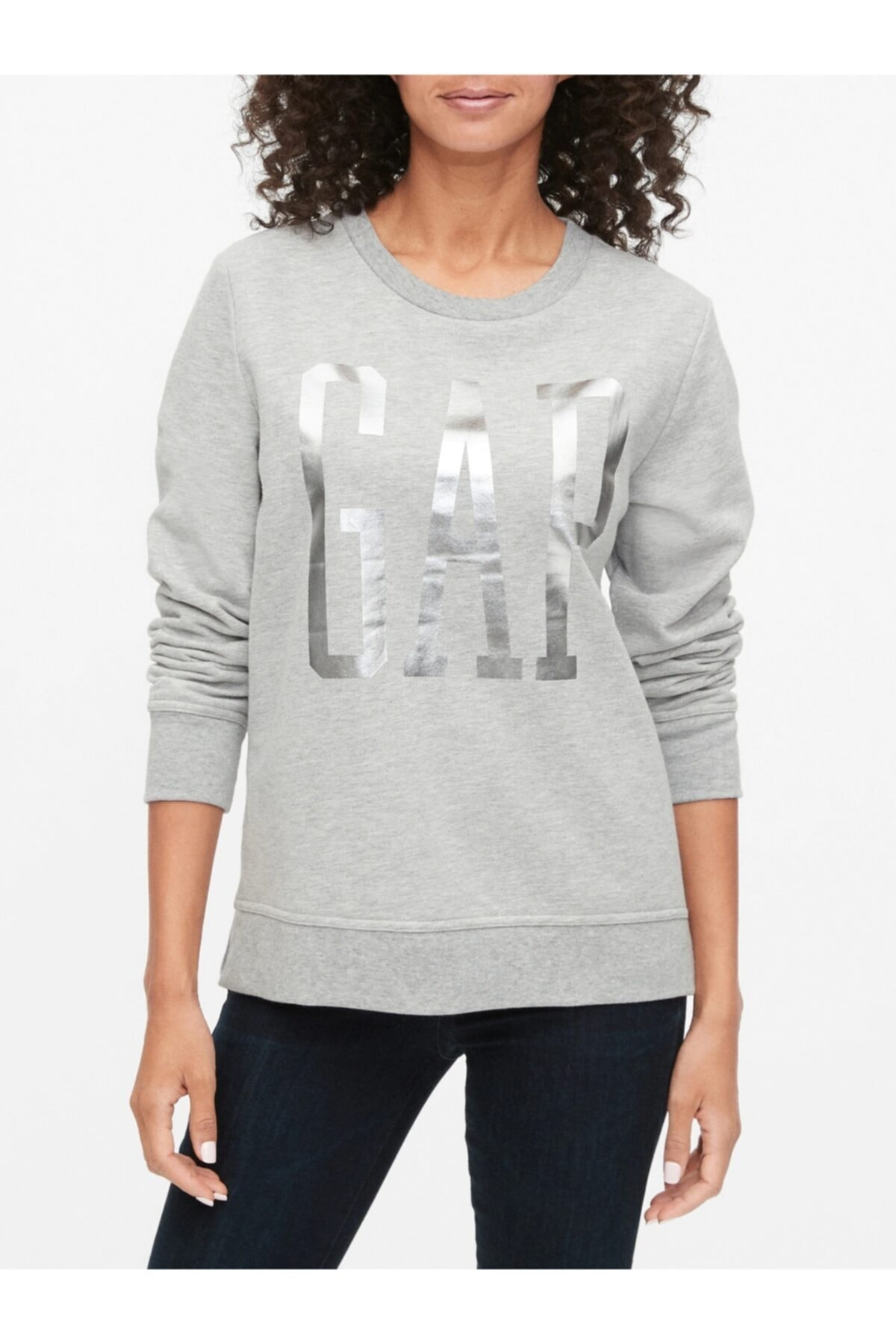 GAP Kadın Gri Logo Yuvarlak Yaka Sweatshirt 1