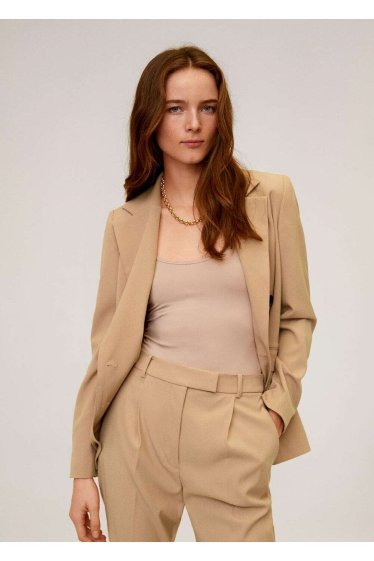 MANGO Woman Kadın Orta Kahverengi Pilili Kısa Paçalı Pantolon 67054404 1