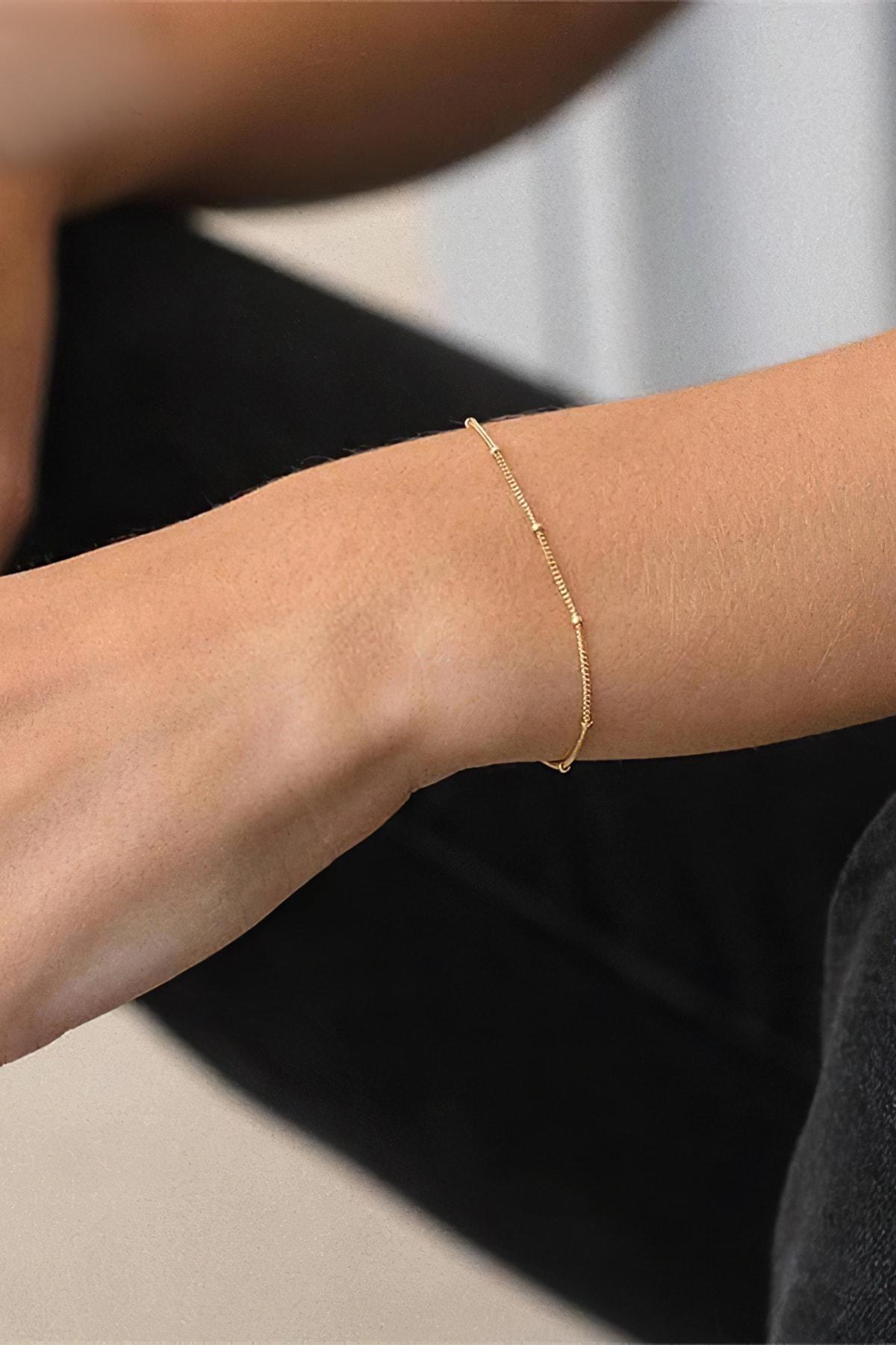 Roza Silver Kadın Altın Rengi Zarif Boncuk Süslemeli Gümüş Bileklik 1
