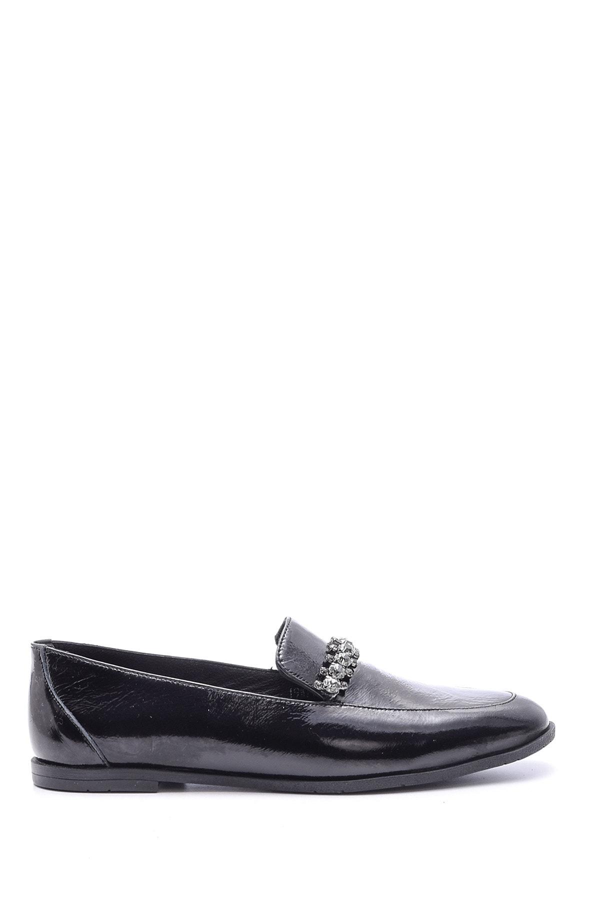 Derimod Kadın Siyah Taşlı Rugan Deri Loafer 1