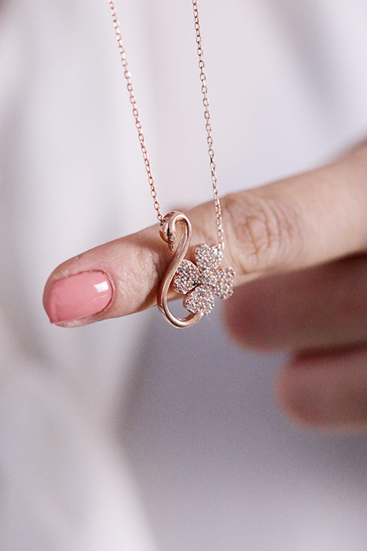 Gumusdunyam Flamingo Desenli Yonca 925 Ayar Kadın Gümüş Kolye 1