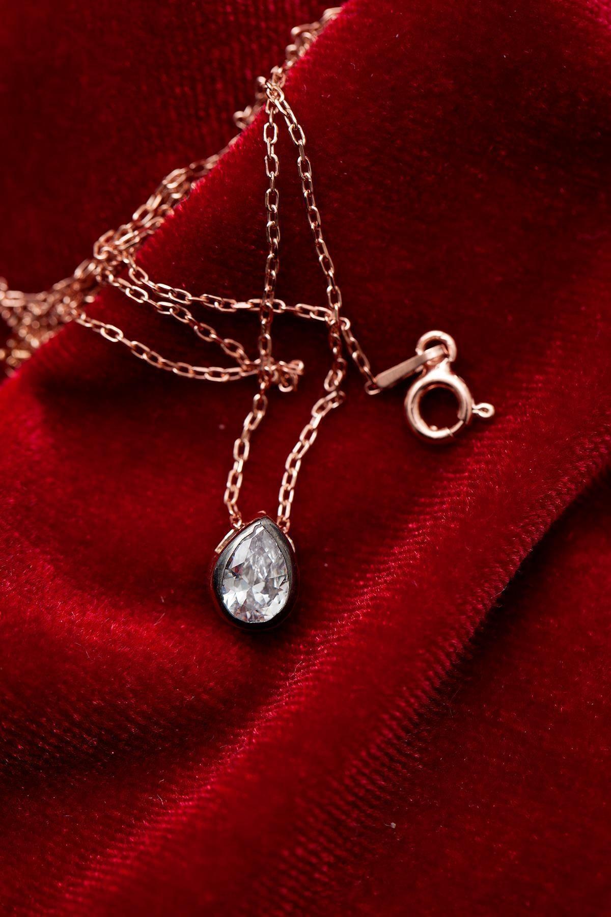 Ninova Silver Kadın Montürlü Tek Taş Damla Model Gümüş Kolye NNVSLVR02661 2