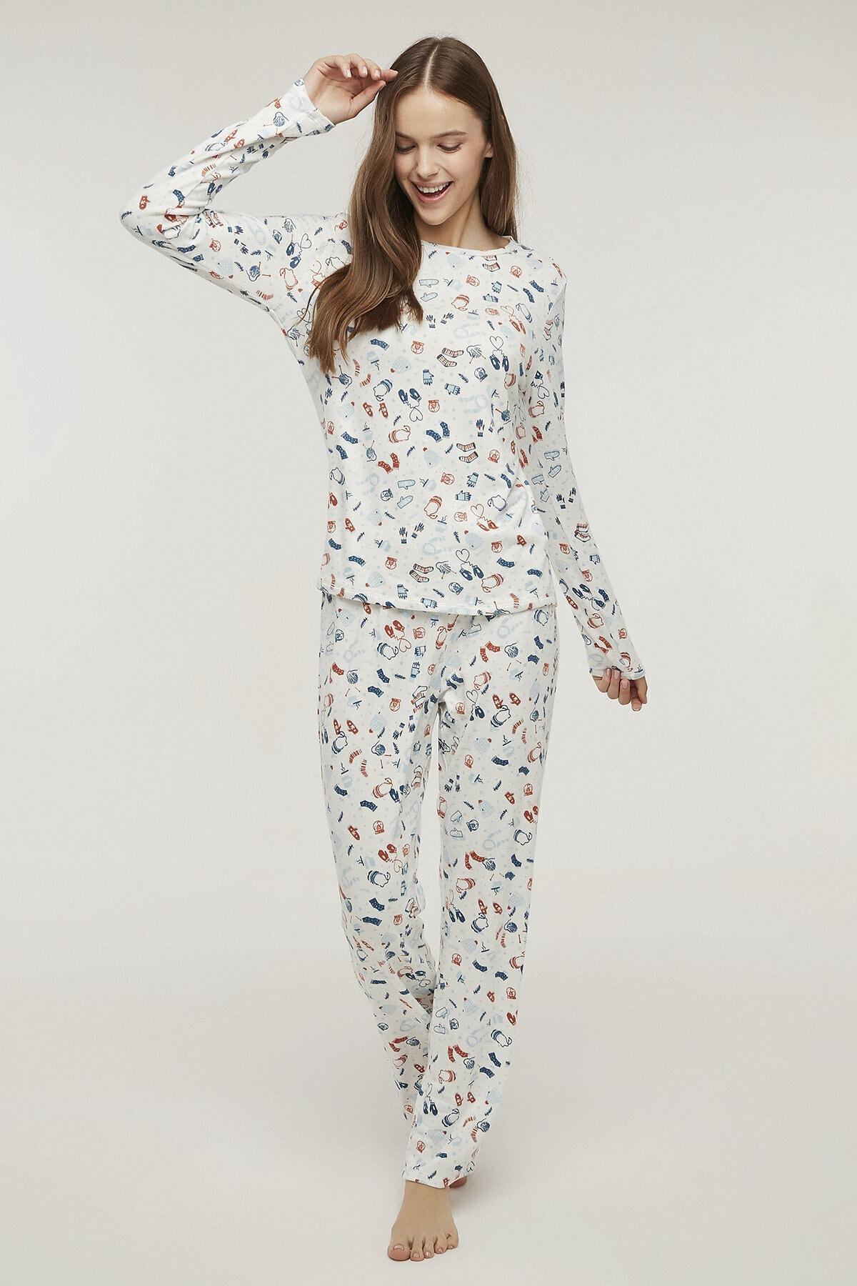 Penti Kadın Beyaz Renkli Warm Me Up Termal Pijama Takımı 2