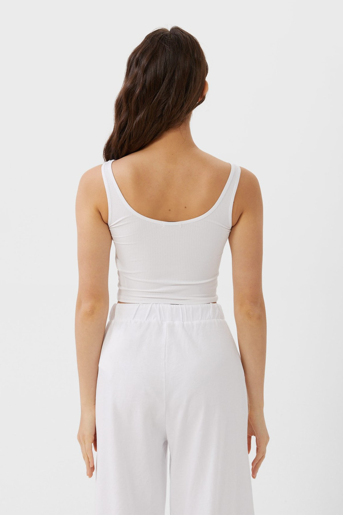 Stradivarius Kadın Beyaz Crop Fit Kolsuz T-Shirt 02517784 2