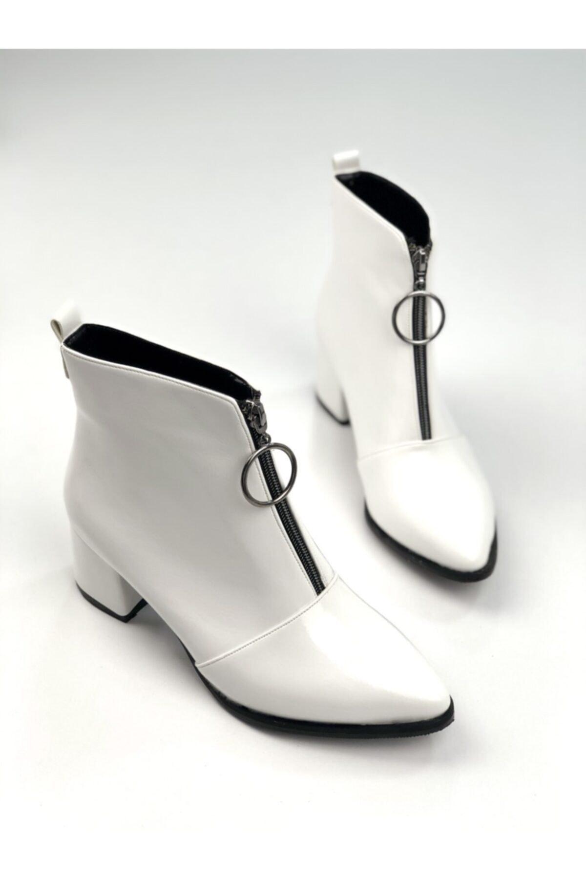 Ayakkabı Ajansı Kadın Beyaz Ortadan Fermuarlı Bot 1