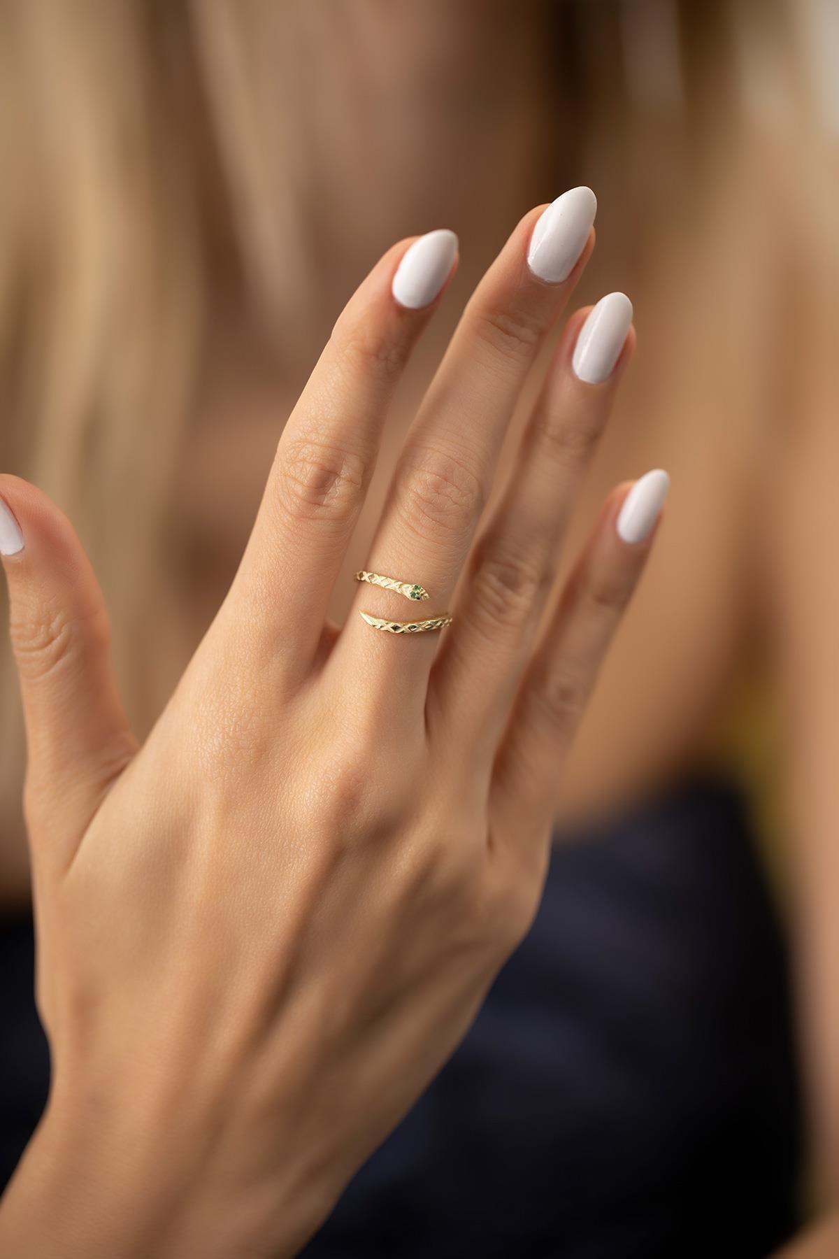 İzla Design Kadın Yılan Model Zümrüt Taşlı Altın Kaplama Gümüş İtalyan Yüzük 2