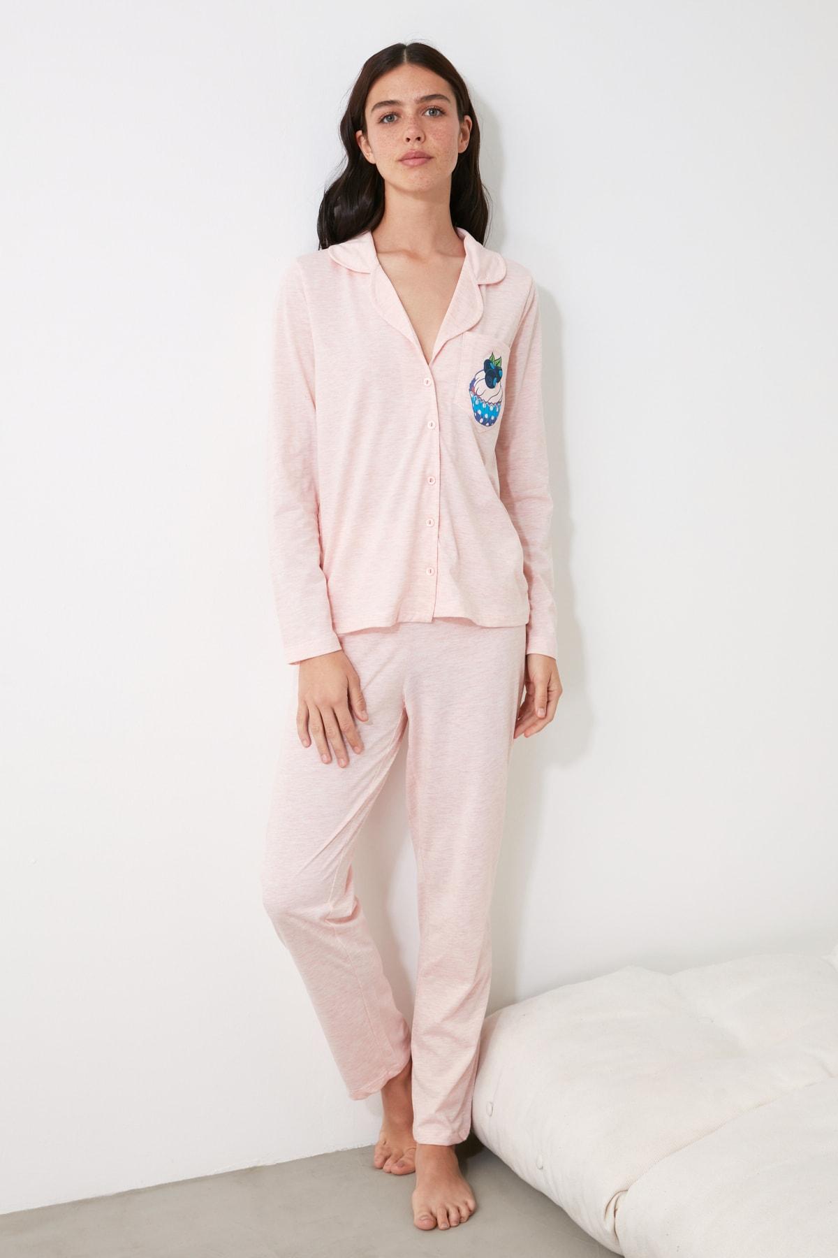 TRENDYOLMİLLA Pudra Baskılı Örme Pijama Takımı THMAW21PT0303 2