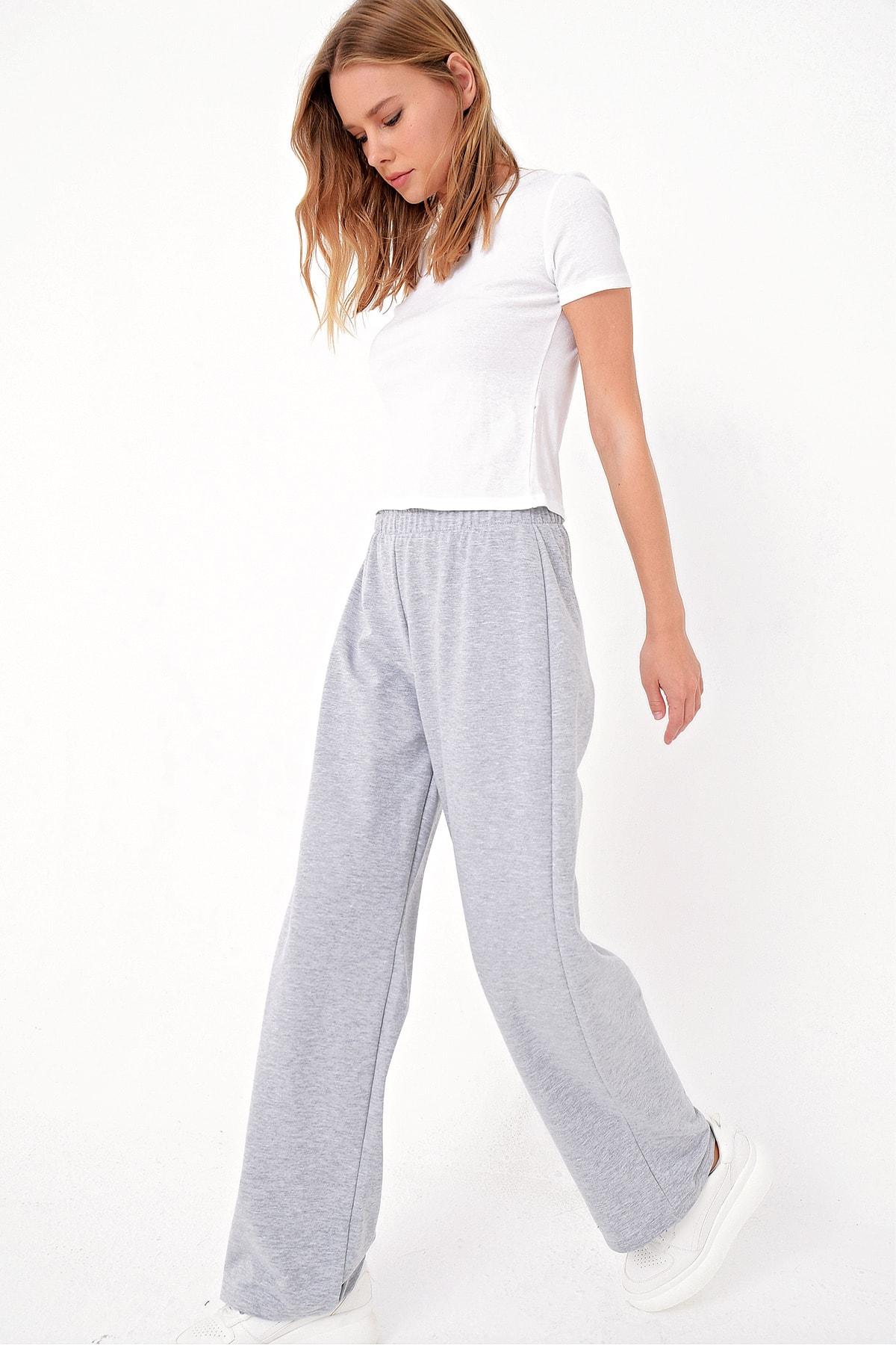 Trend Alaçatı Stili Kadın Gri Bol Paça Uzun Eşofman Altı ALC-X5046 1