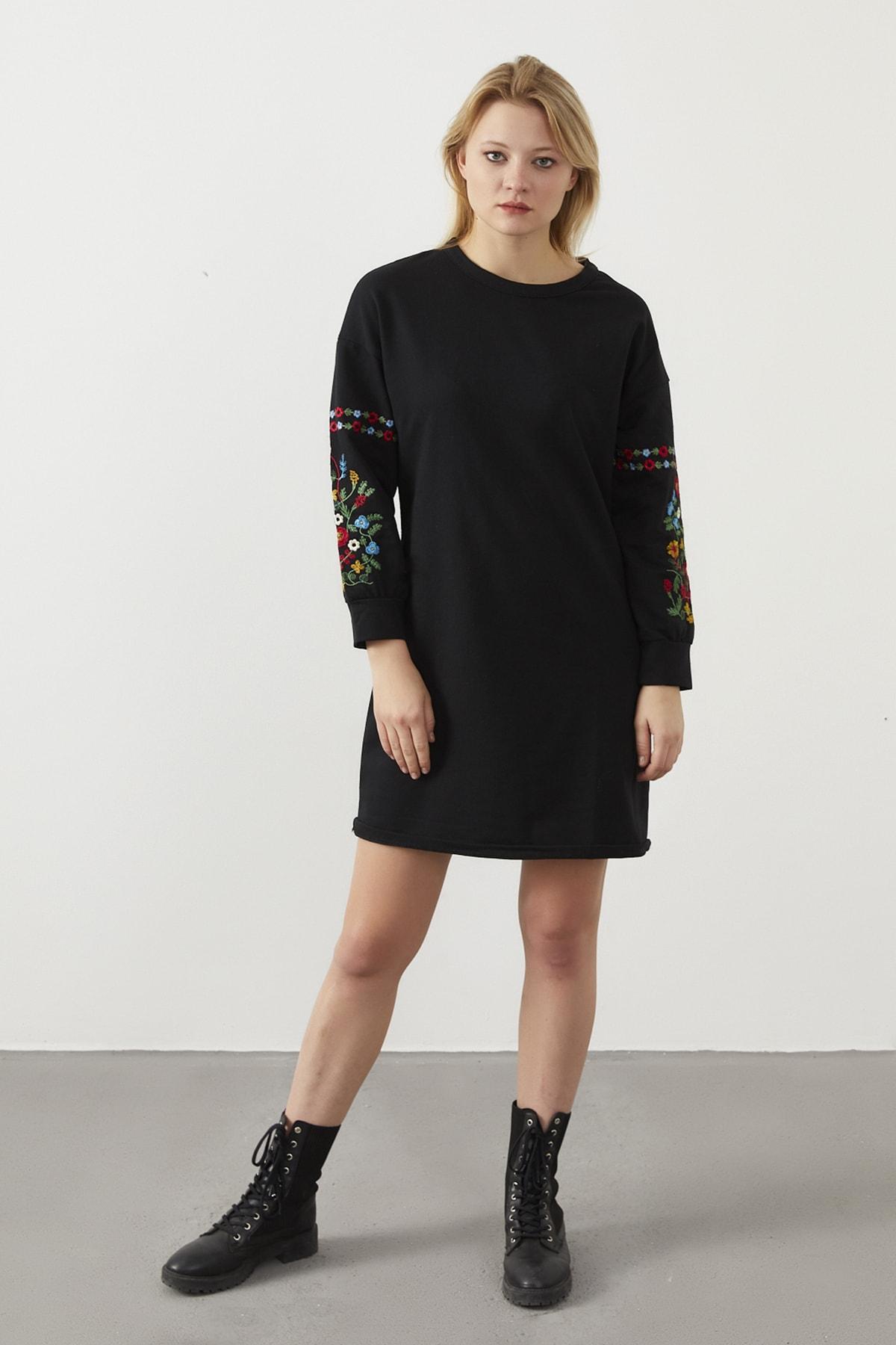 ELBİSENN Kadın Siyah Kolları Nakış Detay Spor Elbise 2