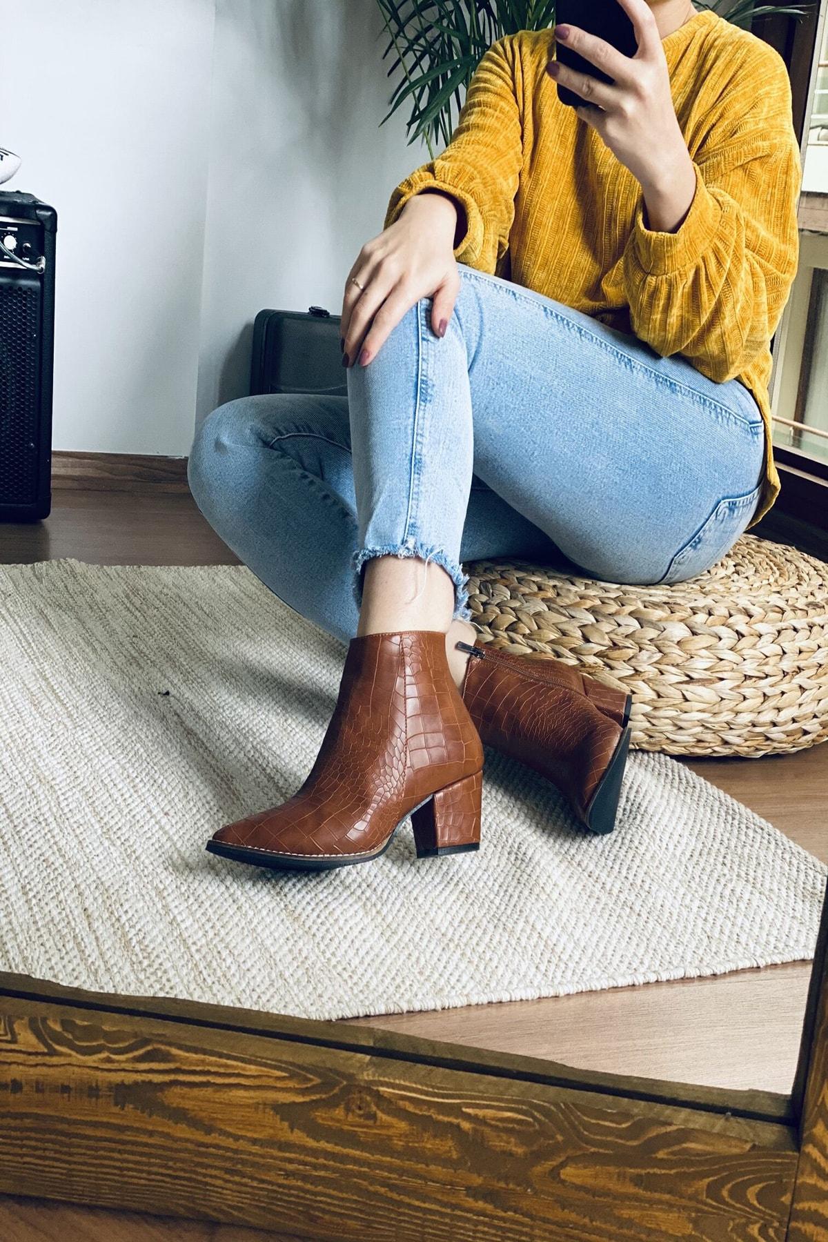 Mida Shoes Kadın Taba Crock Desenli Sivri Burun Yarım Çizme 2