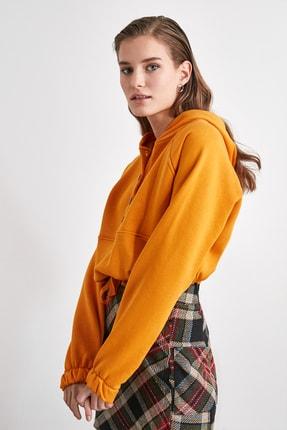 TRENDYOLMİLLA Hardal Düğme Detaylı Örme Sweatshirt TWOAW21SW1710