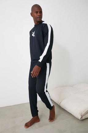 TRENDYOL MAN Lacivert Baskılı Şerit Detaylı Örme Pijama Takımı THMAW21PT0681