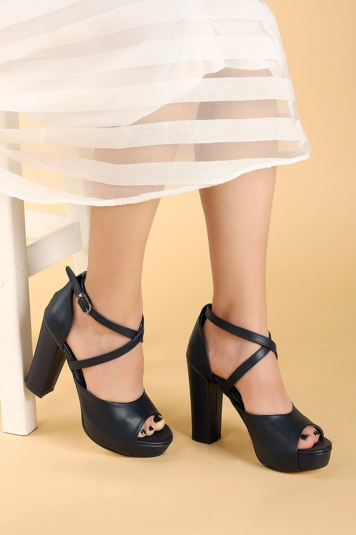 Ayakland Kadın Cilt Abiye 11 Cm Platform Topuk Sandalet Ayakkabı 2