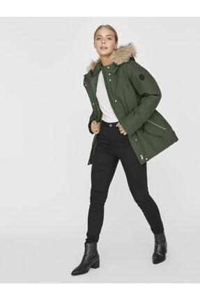 Vero Moda Kadın Yeşil Belden Büzülebilir Kapüşonu Kürklü Mont 10230808 VMEXPEDITIONHIKE