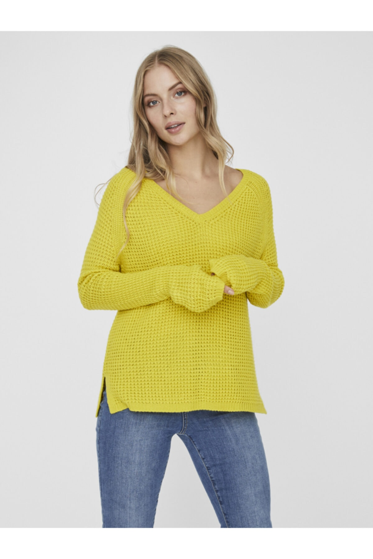 Vero Moda Kadın Sarı Uzun Kollu V-Yaka Kazak 10231592 VMLEANNA 1