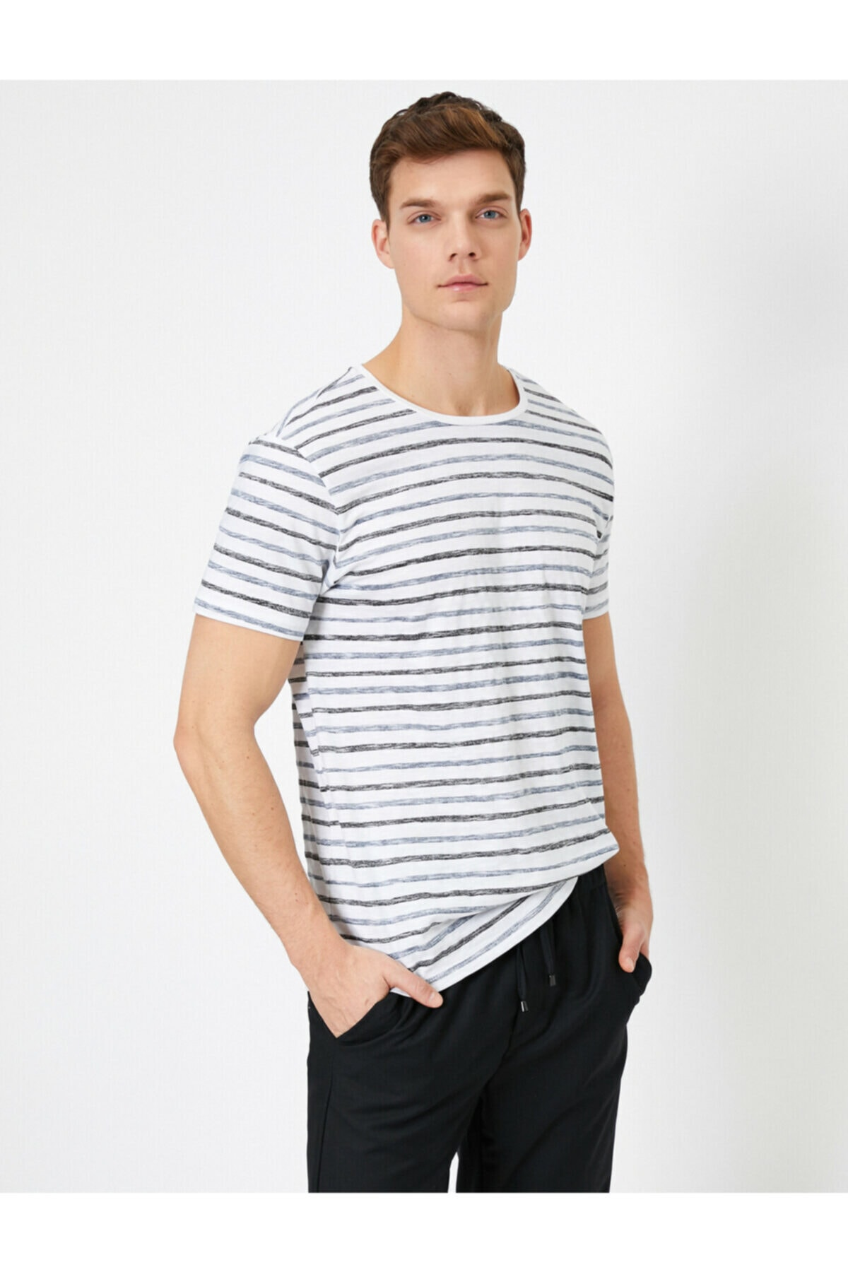 Koton Erkek Beyaz Çizgili T-Shirt 0YAM14290OK 2