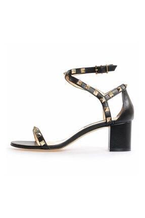Flower Kadın Siyah Deri Troklu Kalın Topuklu Sandalet