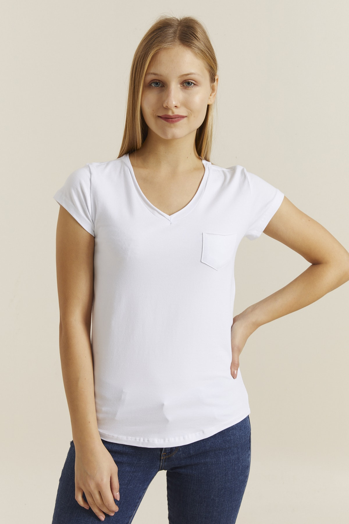 DYNAMO Kadın Beyaz V Yaka Cepli T-shirt 19052 1