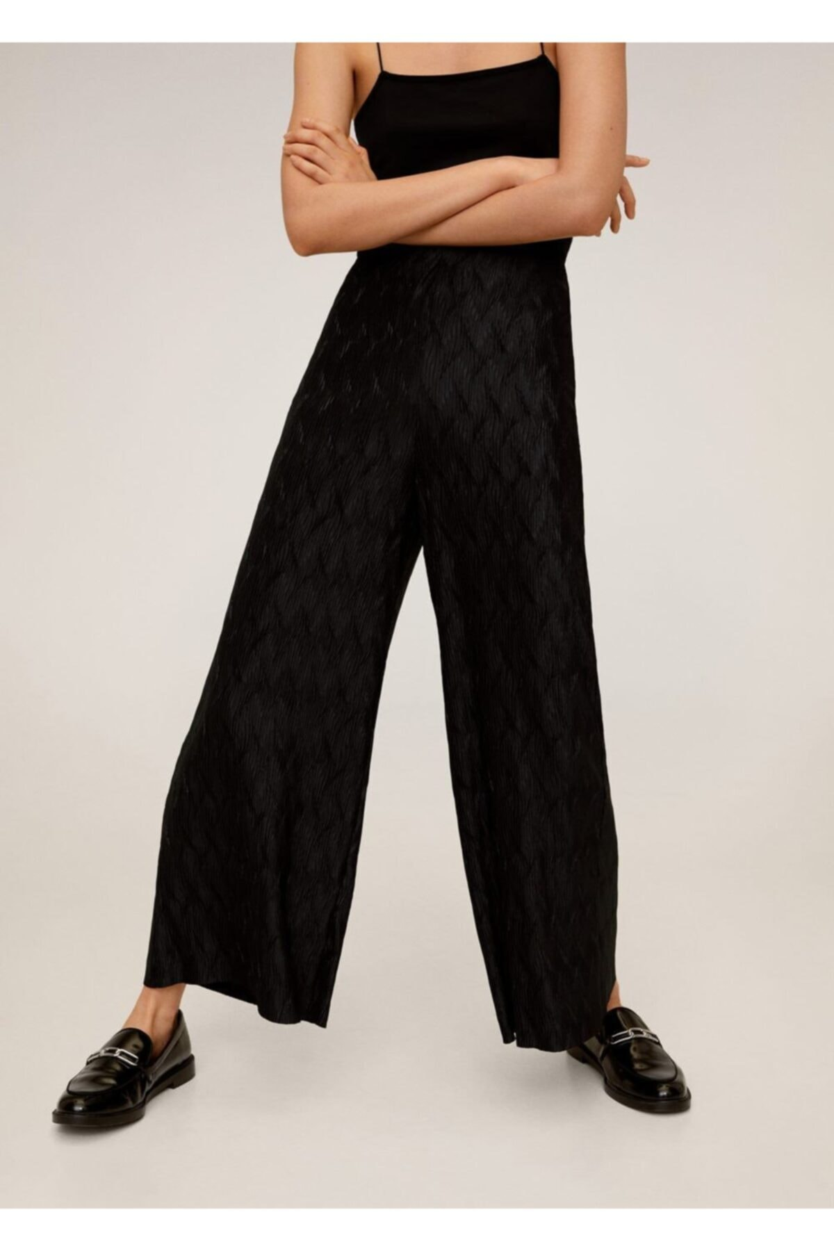 MANGO Woman Kadın Siyah Pilili Palazo Pantolon 67030606 2