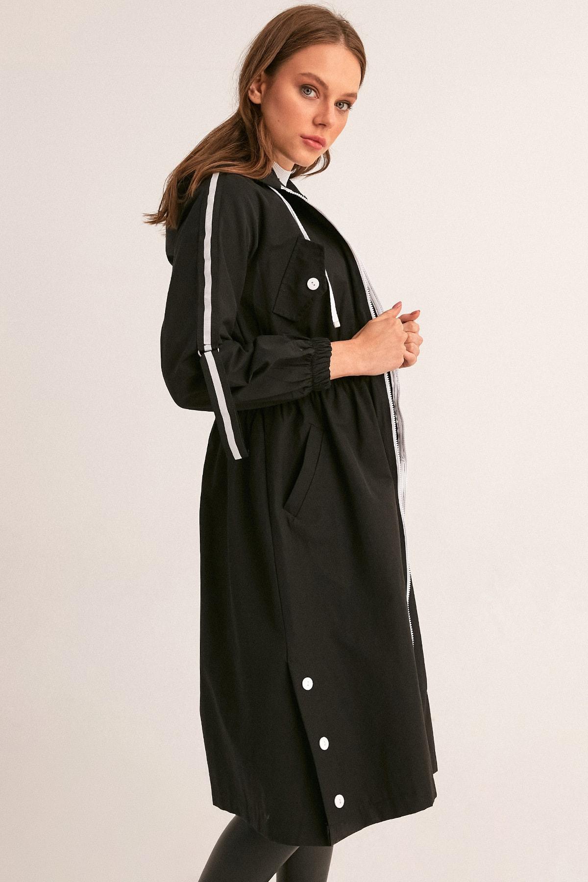 Fulla Moda Kadın Siyah Beli Lastikli Kapüşonlu Trençkot 2