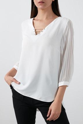 AYHAN Kolları Şifon V Yaka Bluz Kadın Bluz 04680892