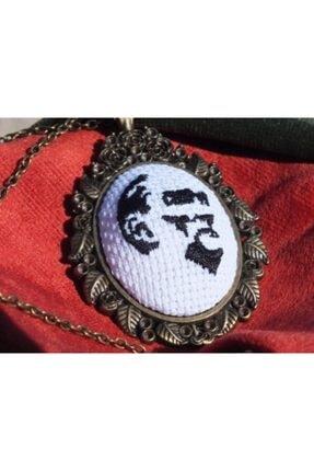 FEELİNG El Işçiliği Atatürk Işlemeli Kanaviçe Kolye