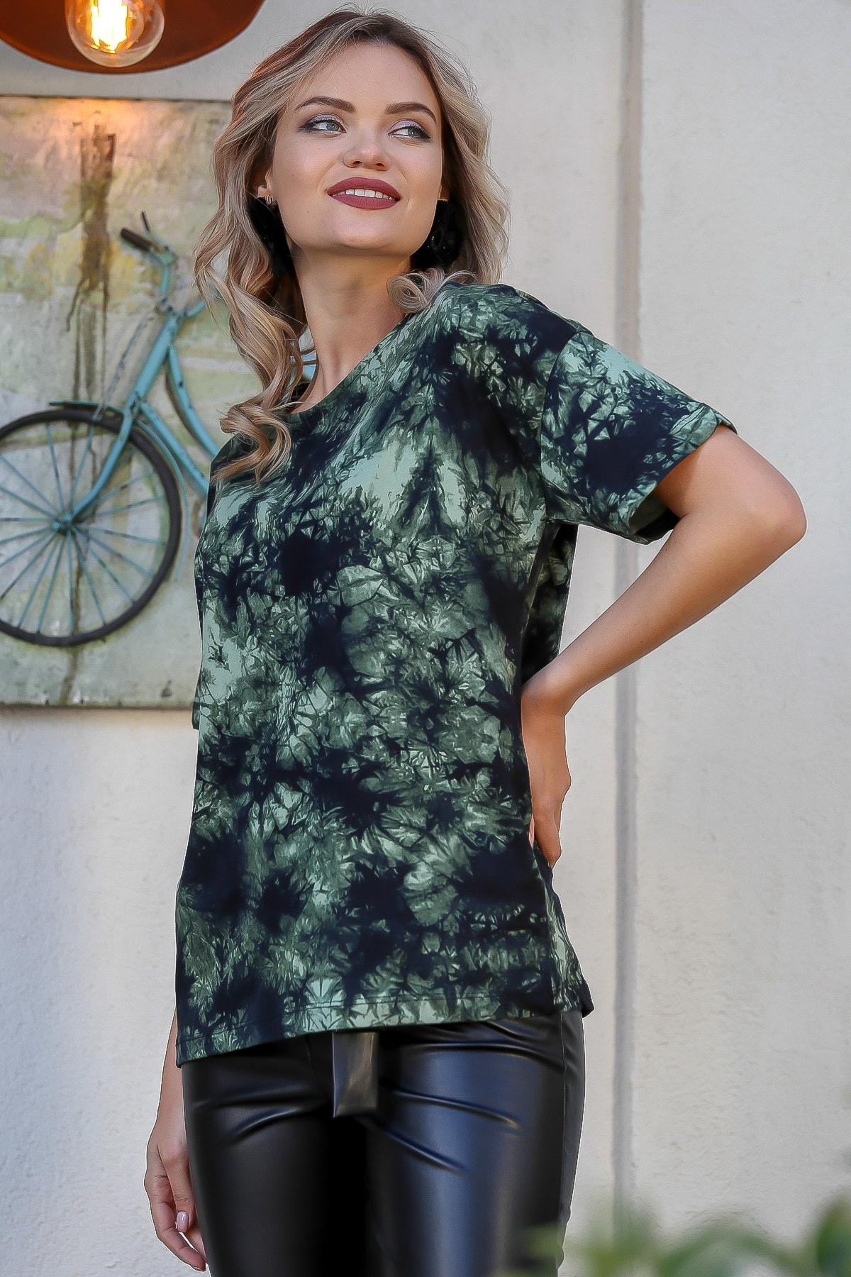 Chiccy Kadın Yeşil Batik Desenli T-Tshirt M10010300TS98395