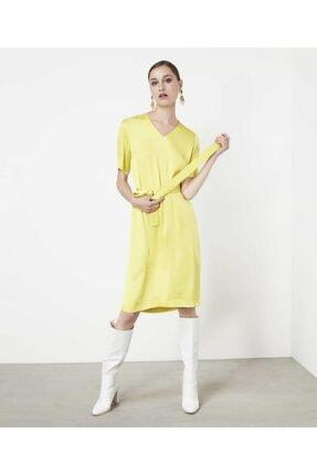 İpekyol Kadın  Sarı Kuşaklı V Yaka Elbise