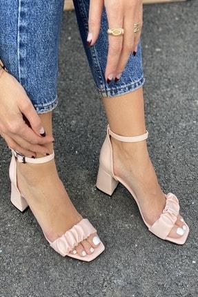 İnan Ayakkabı Kadın Pembe Detaylı Bant Bilekten Tokalı Topuklu Ayakkabı
