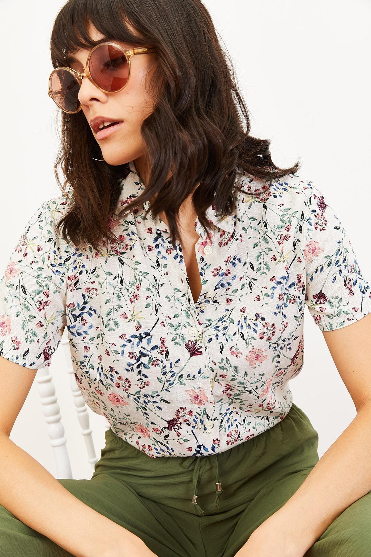 Bianco Lucci Kadın Çiçek Desen Kısa Kollu Keten Görünümlü Gömlek Pembe 10061001