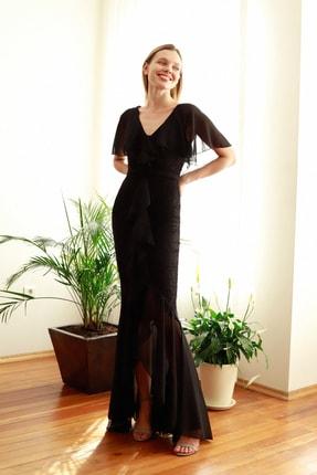 TRENDYOLMİLLA Siyah Volan Detaylı  Abiye & Mezuniyet Elbisesi TPRSS20AE0307