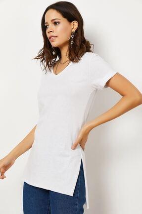 Zafoni Kadın V Yaka Yırtmaçlı T-shirt