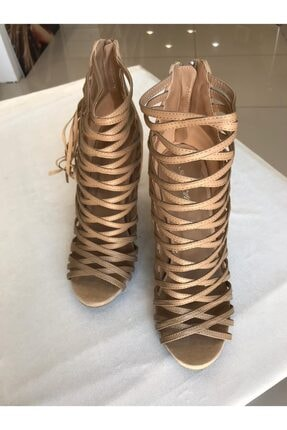 ANNIE HALL Krem Gladyatör Modeli Yan Kısmında Nubuk Püskül Detayları Olan Topuklu Kadın Ayakkabı