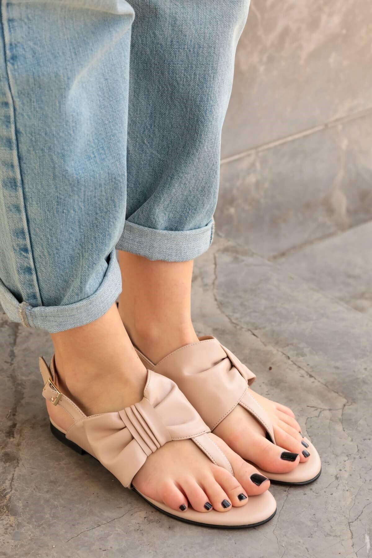 Mio Gusto Kadın Papillon Fiyonklu Sandalet Ten 1