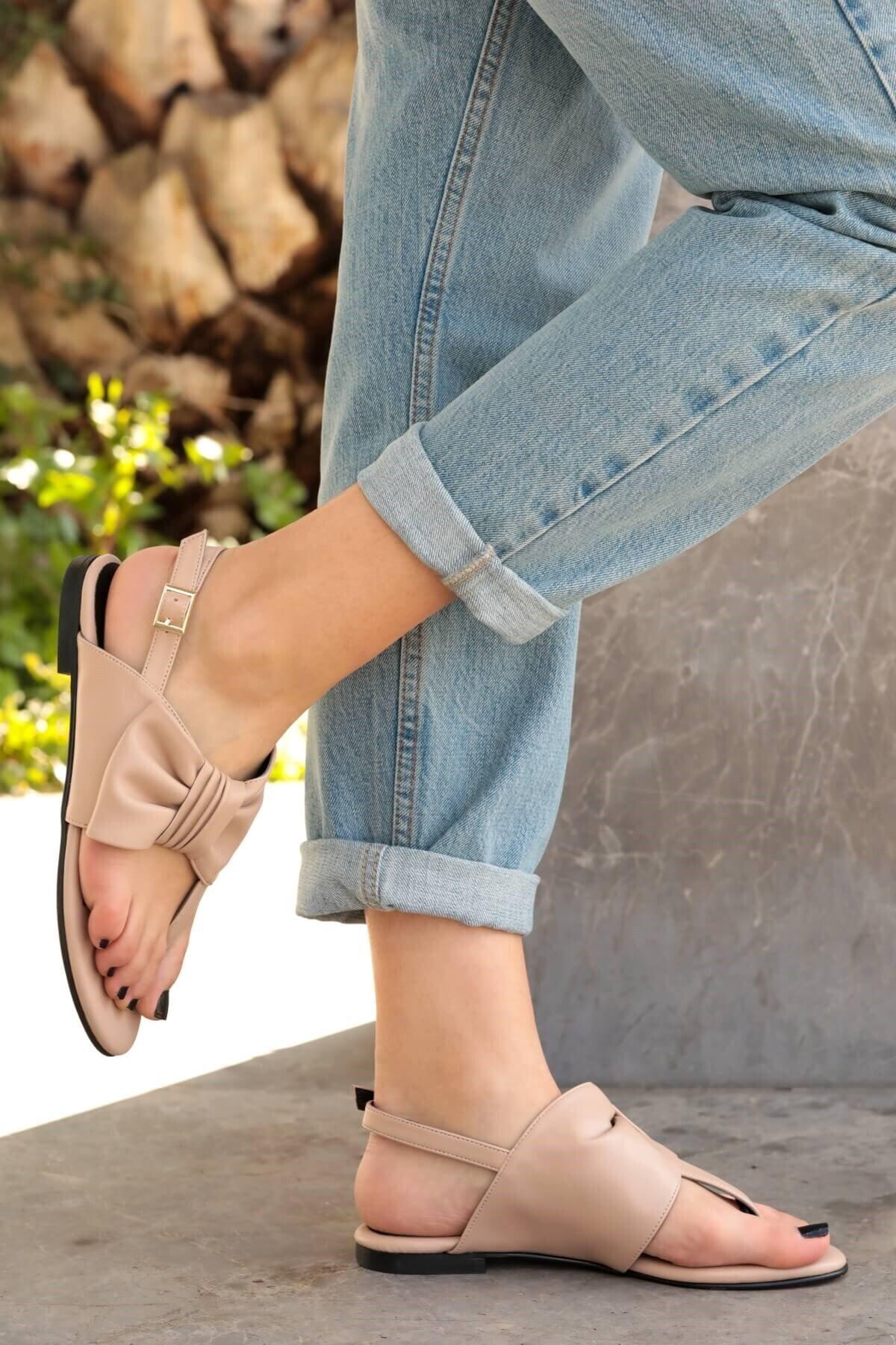 Mio Gusto Kadın Papillon Fiyonklu Sandalet Ten 2