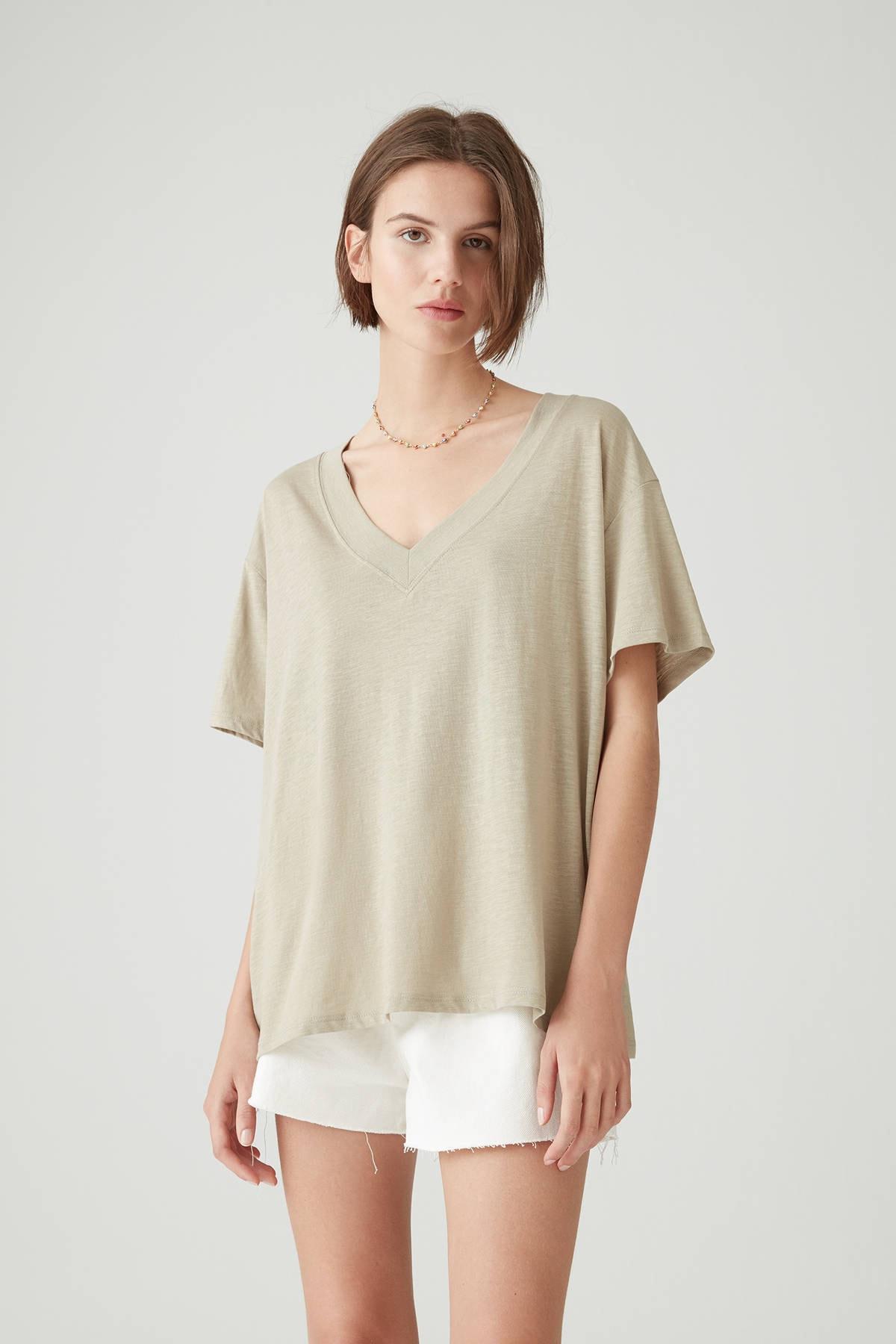 Pull & Bear Kadın Açık Haki Basic Oversize Düğümlü Örgü T-Shirt 05236324