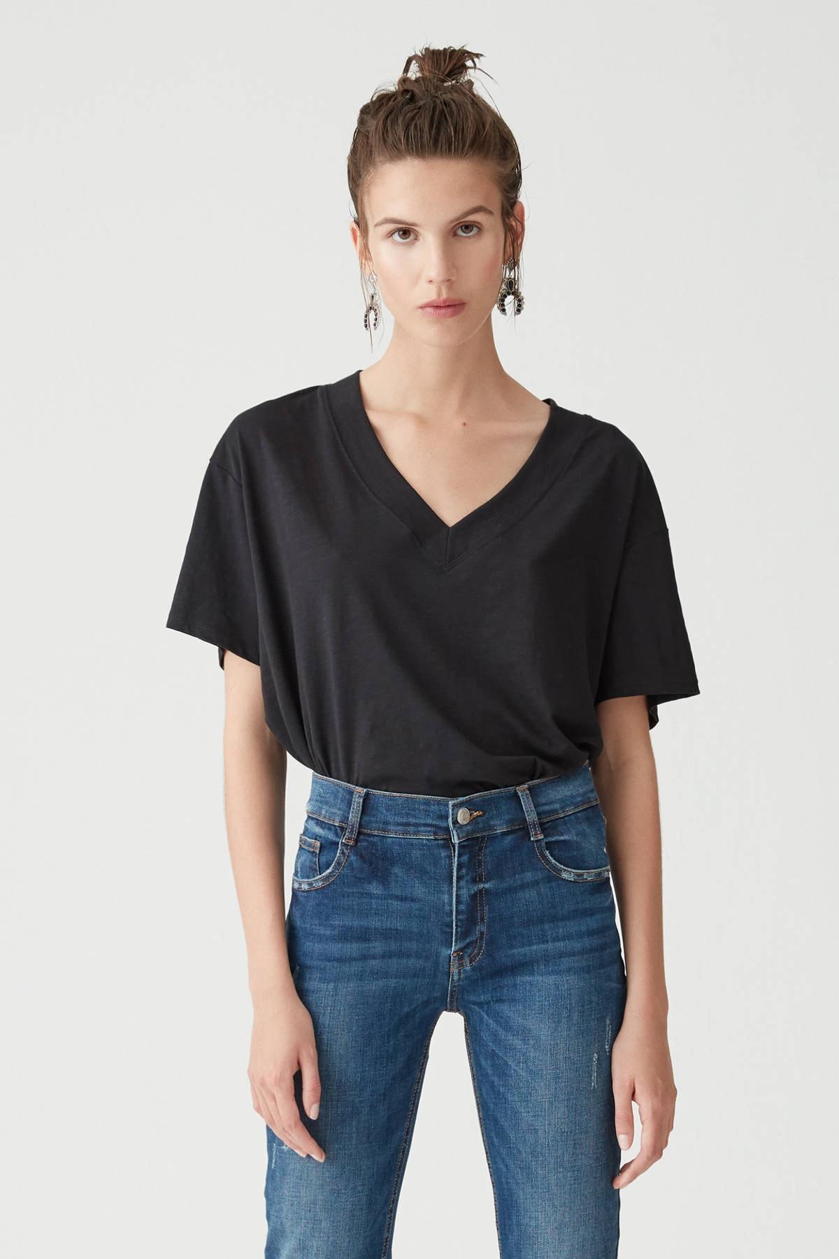 Pull & Bear Kadın Siyah Basic Oversize Düğümlü Örgü T-Shirt 05236324 1