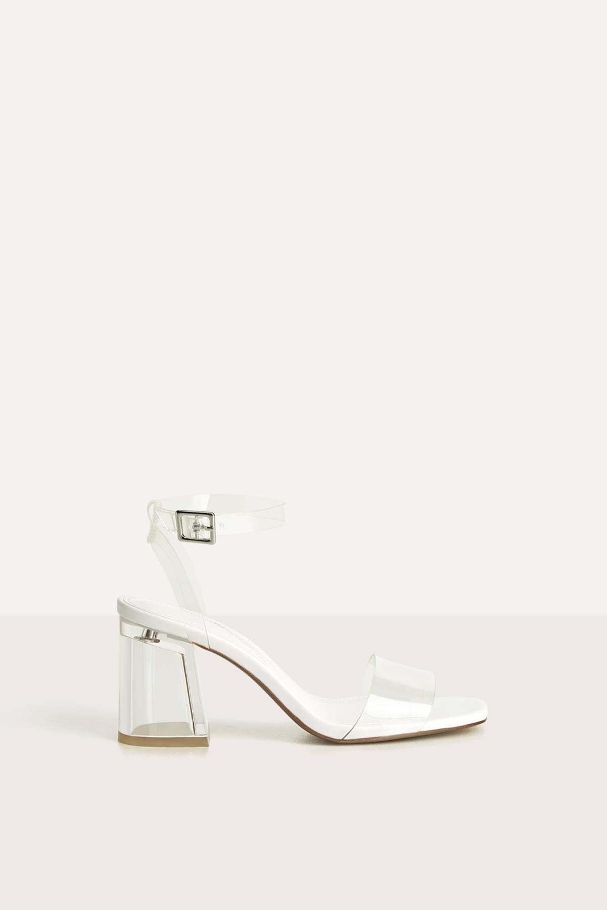 Bershka Kadın Transparan Vinil Detaylı Metakrilat Topuklu Sandalet. 11740660