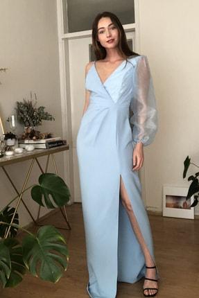 TRENDYOLMİLLA Mavi Kolu Organze Detaylı  Abiye & Mezuniyet Elbisesi TPRSS20AE0156