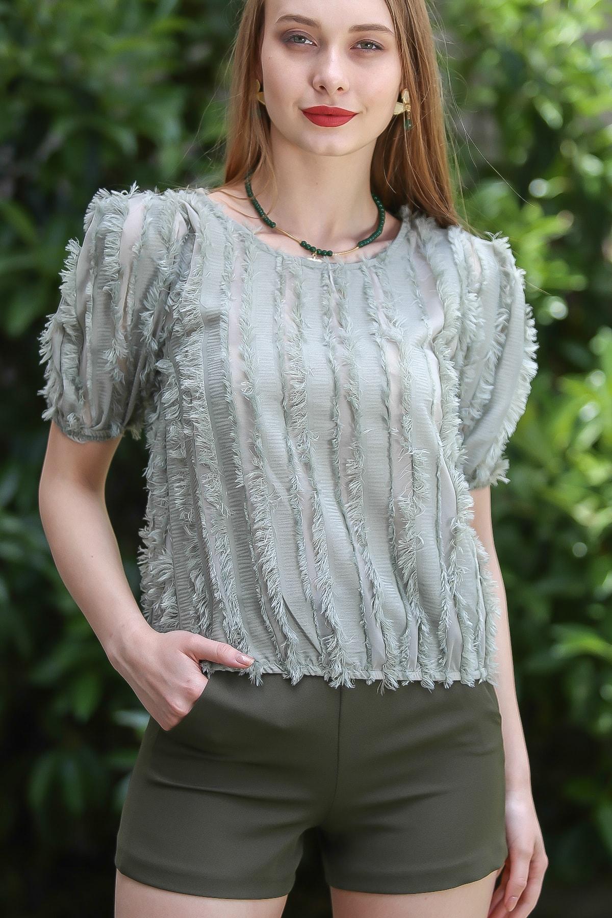 Chiccy Kadın Nil Yeşili Vintage Sakallı Şeritli Beli Lastikli Karpuz Kol Bluz M10010200Bl96212