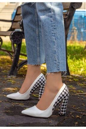 Erbilden Kadın Beyaz Vart Rugan Kaz Ayağı Topuklu Ayakkabı