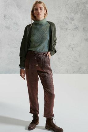 Yargıcı Kadın Bronz Kemer Detaylı Pantolon
