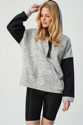 Trend Alaçatı Stili Kadın Siyah Renk Bloklu Kapşonlu Sweatshırt ALC-X5329
