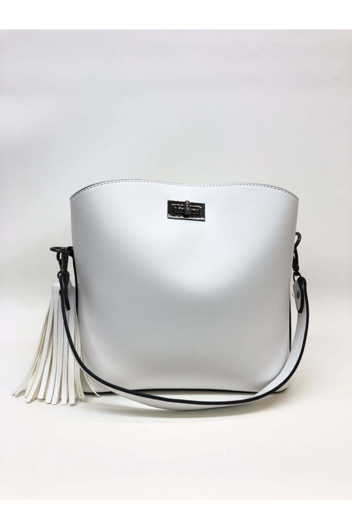 womenacs Kadın Beyaz Renk Elde Ve Omuz Askılı Kullanılabilen Bol Gözlü Püskül Aksesuarlı Çantası 1