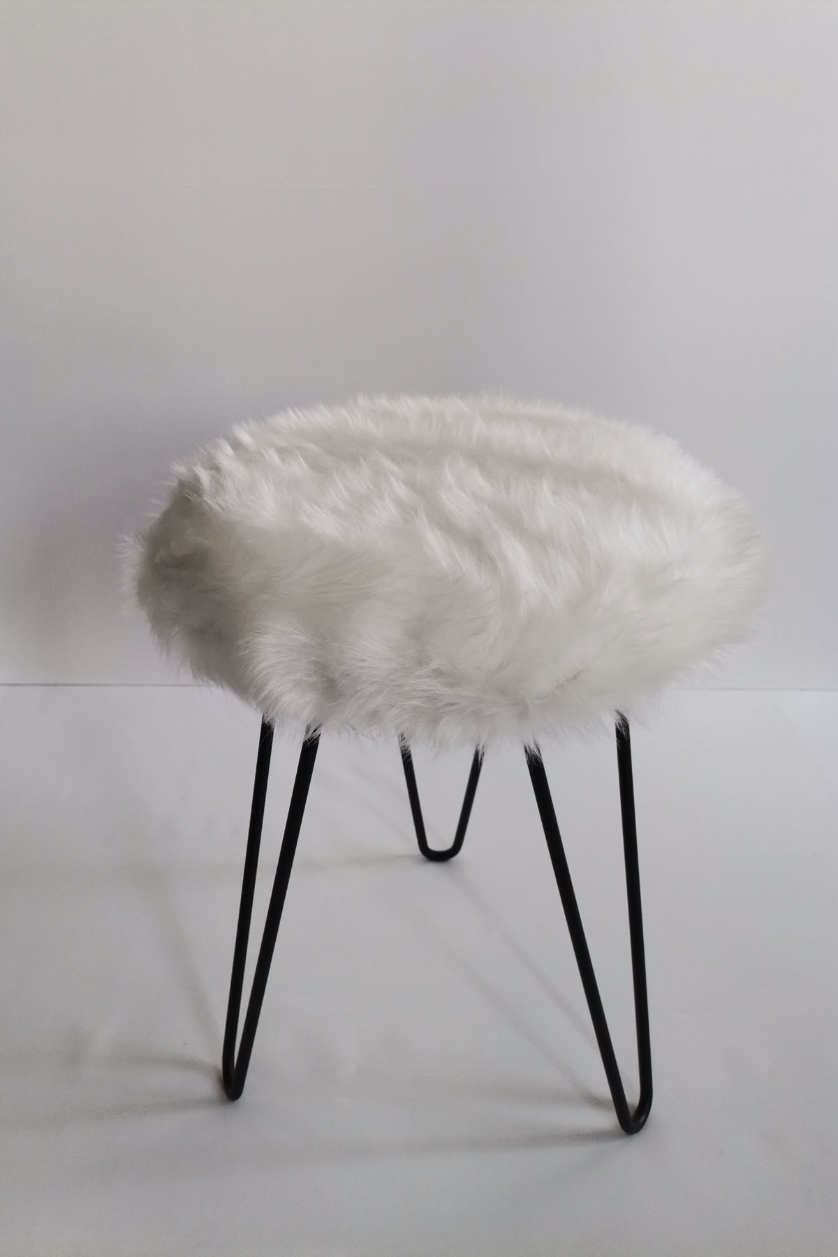 Tarzı Özel Beyaz Peluş Puf 1